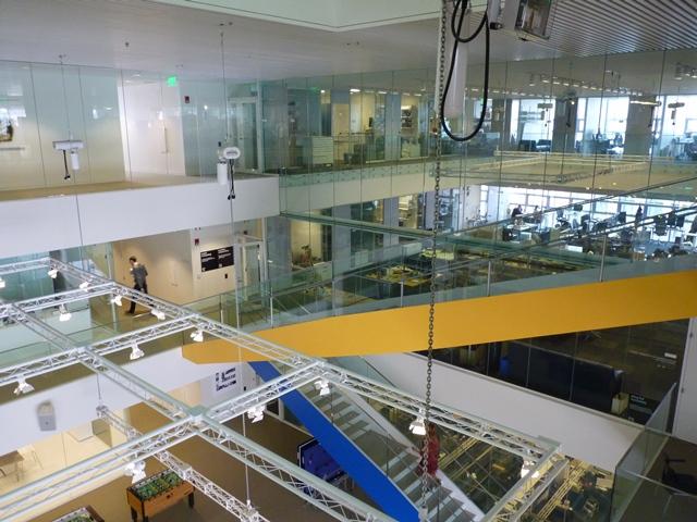 MIT Medialab - Un bâtiment où la recherche est mise en scène et se donne à voir. © JLL / Sciences Po