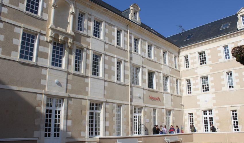 L'entrée du nouveau campus de Sciences Po à Poitiers @Sylvain Rochas / Sciences Po