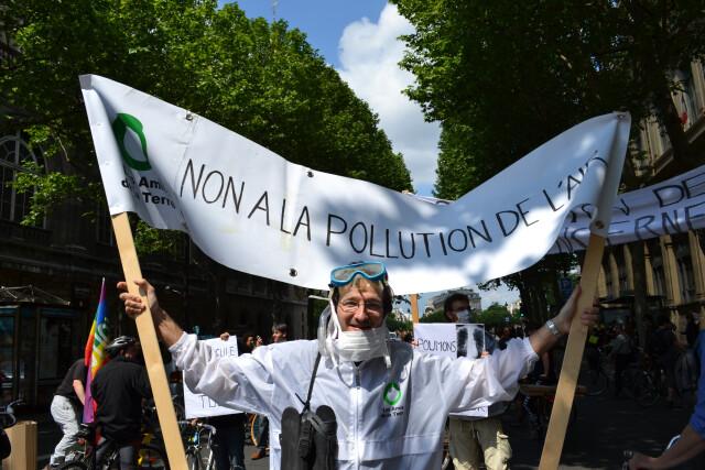 Action contre la pollution de l'air, Paris, juin 2013. © Amis de la Terre CC BY-NC-SA 2.0