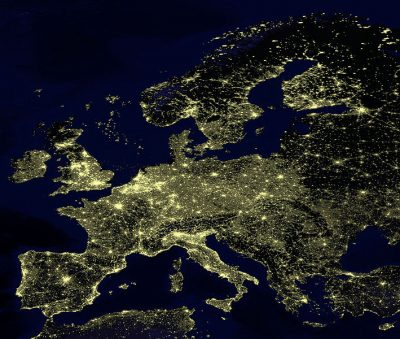 Light pollution in Europe, 2002.Crédits : NASA
