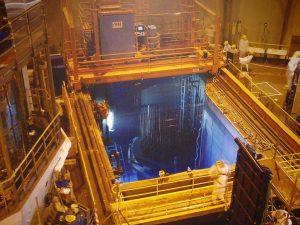 Centrale nucléaire de Gravelines- Piscine, by Serge Ottaviani. CC BY-SA 3.0