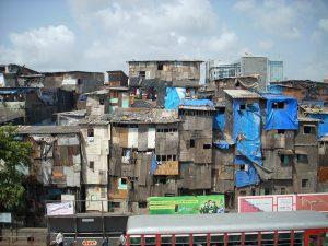 Slum in Mumbai. Crédits Sukriti Issar, 2009