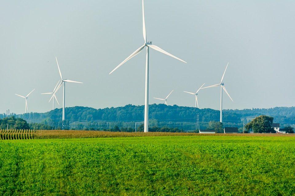 éoliennes. Crédits : Domaine public