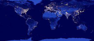 Image de la Terre la nuit, satellite Suomi NPP/NASA 2012. CC0 Creative Commons