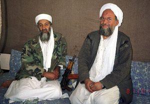 Hamid Mir interviewing Osama bin Laden and Ayman al-Zawahiri 2001Par Hamid Mir [CC BY-SA 3.0 (https://creativecommons.org/licenses/by-sa/3.0)], via Wikimedia Commons