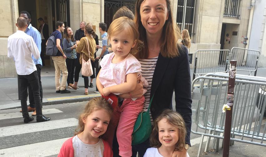 Camille Viros et ses trois enfants