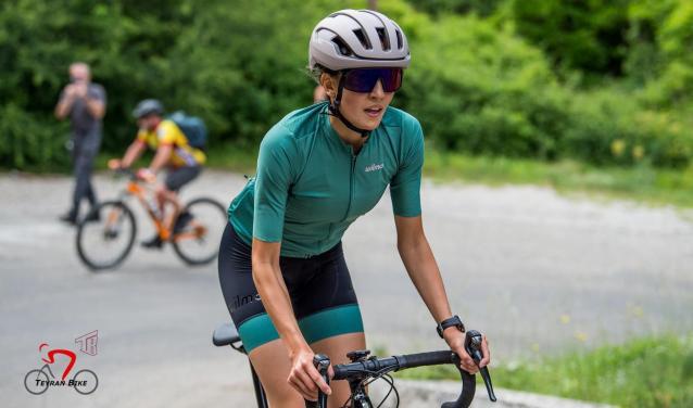 """Angèle Paty : en """"bikepacking"""" de Montpellier aux Îles Shetland"""