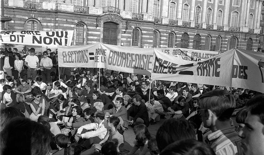 Place du Capitole, Toulouse, le 11 ou 12 juin 1968