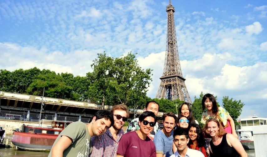 Summer school students in Paris