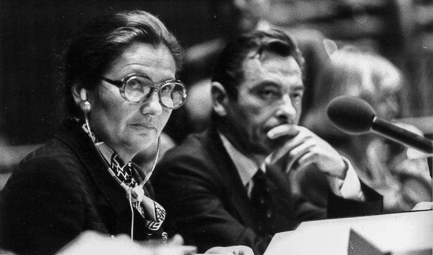 Simone Veil préside une séance du Parlement européen à Strasbourg en 1979