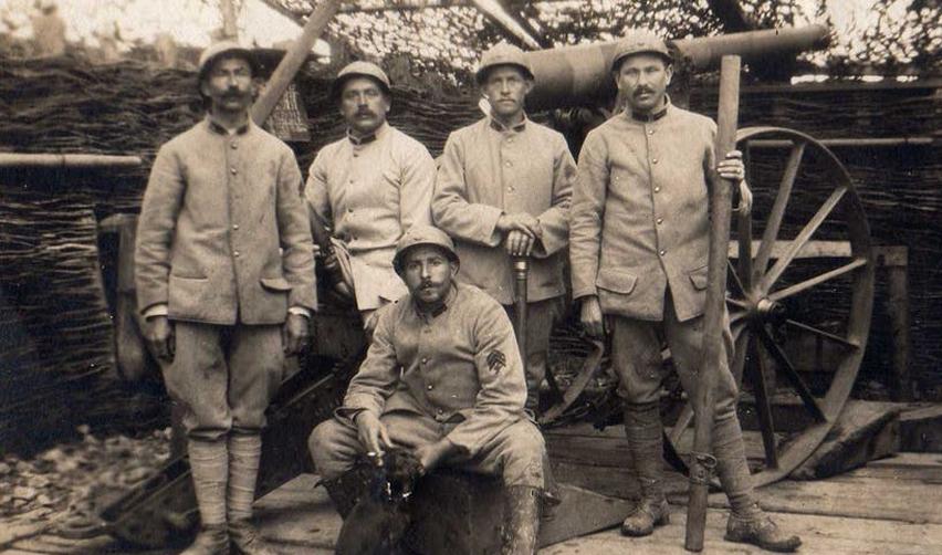 Le 11 novembre 1918, jour de l'amistice, quelque part en France.