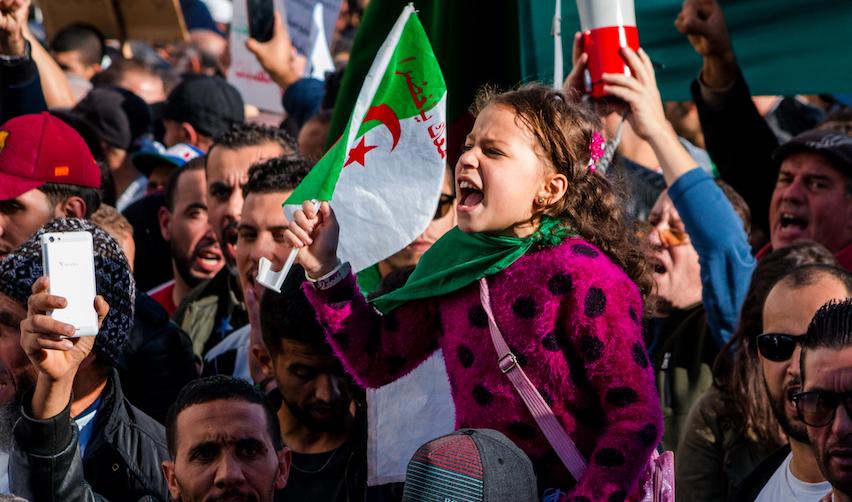 L'armée algérienne à l'épreuve du mouvement citoyen du Hirak