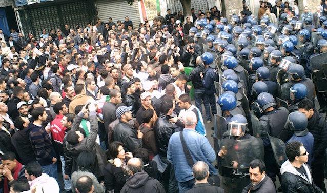 Manifestation à Alger, 2011