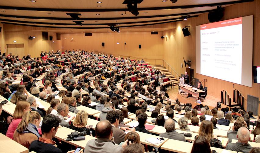 Sur le campus de Sciences Po à Reims lors de la Journée Portes Ouvertes 2019