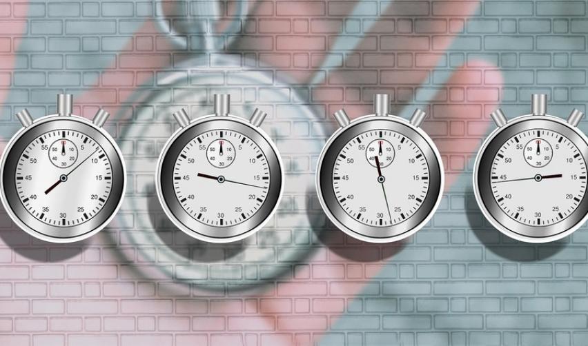 Quatre chronomètres aux timings différents