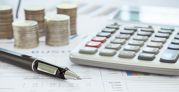 Calculate tuition fees ©kan_chana/Shutterstock