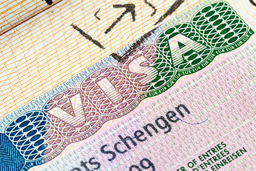 Apply for a visa and residence permit ©MA8/Shutterstock
